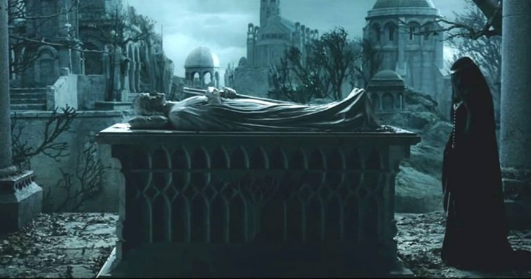 What Happened to Arwen After Aragorn Died?