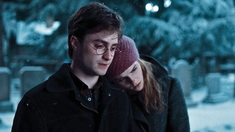 Do Harry Potter and Hermione Granger Ever Kiss or Sleep Together in the Books and Movies?