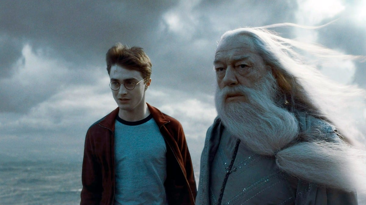 Is Harry Potter or Dumbledore More Powerful?