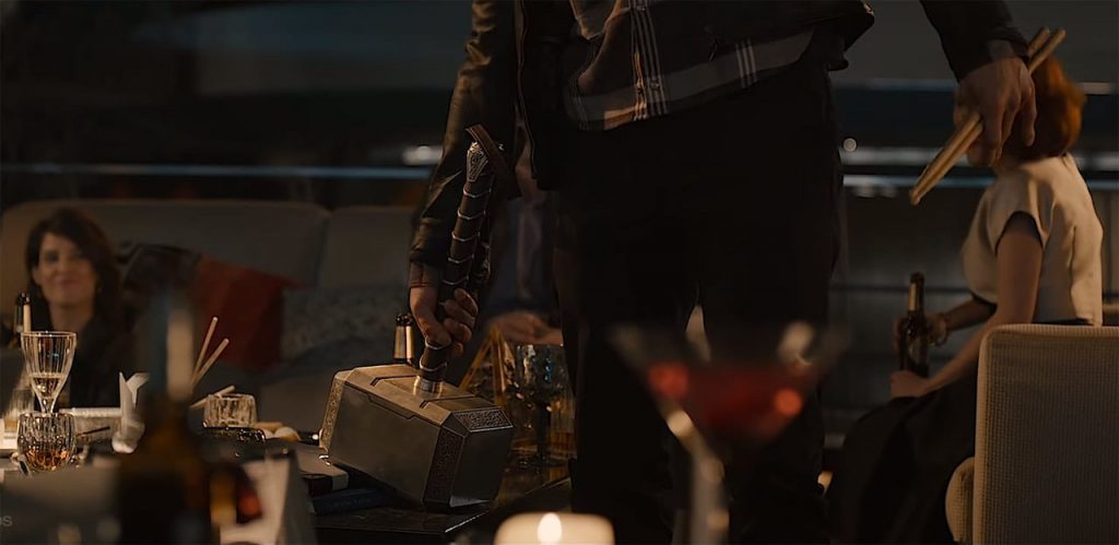 Can Magneto lift Thor's hammer, Mjölnir
