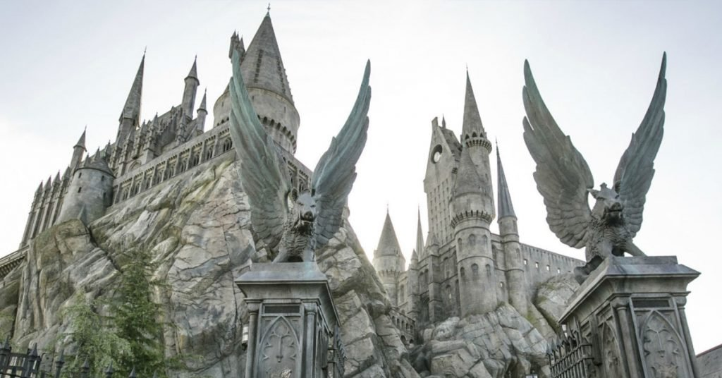 Which Harry Potter World is The Best? Top 4 Harry Potter Theme Parks Ranked