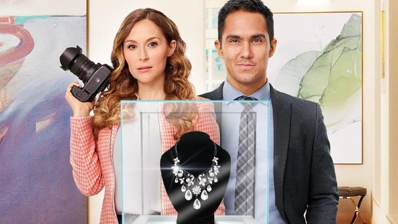 Picture Perfect Mysteries: Dead Over Diamonds (2020)